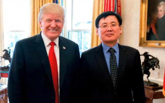 정광일(오른쪽) 씨는 2018년 2월 2일 미국 워싱턴 백악관에서 도널드 트럼프 미국 대통령을 만났다.