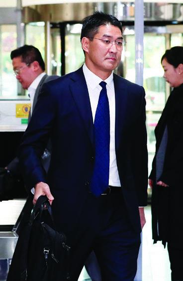 10월 30일 국회 국정감사에서 구글 수익과 관련해 증언한 존 리 구글코리아 사장.[뉴스1]