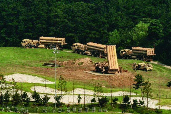 경북 성주군에 배치된 미국 사드 포대.[동아DB]