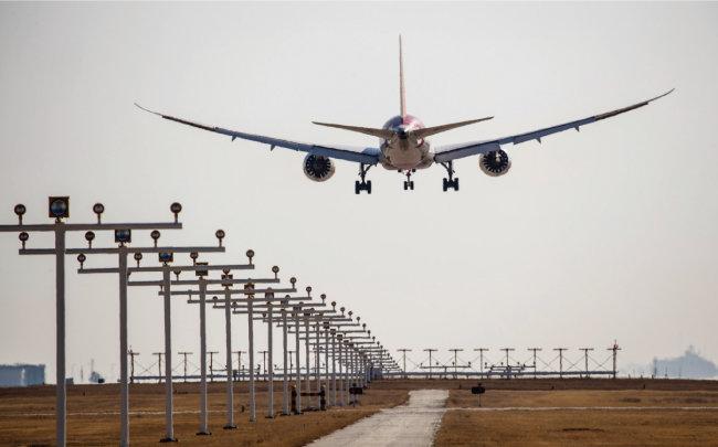 인천국제공항은 제2여객터미널 개항 후 명실상부한 아시아 허브 공항으로 도약할 전망이다. [조영철 기자]
