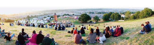 매년 6월 마지막 주말에 열리는 영국 글래스턴베리 페스티벌. [위키피디아]