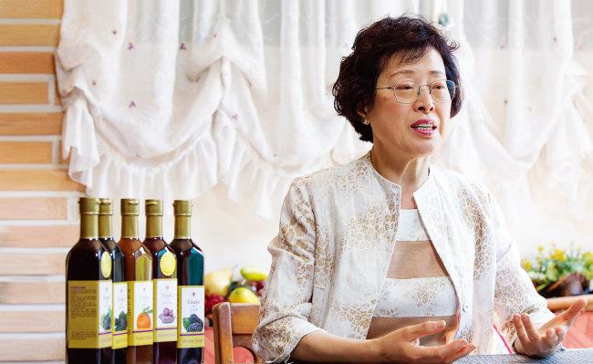 김성미 비네코 대표는 40대에 당뇨로 고생하다 발효식초를 먹은 뒤 완치된 경험을 살려 사업에 도전했다. [김도균 기자]