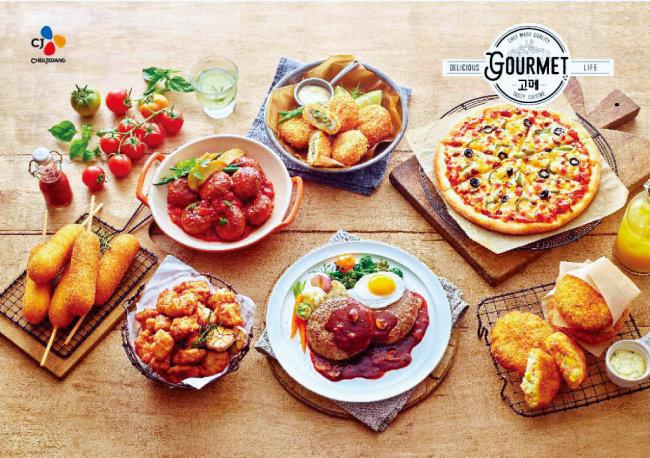 맛에 대한 소비자의 기대치가 높아지면서 프리미엄을 표방하는 CJ제일제당의 '고메' 브랜드가 급성장하고 있다.