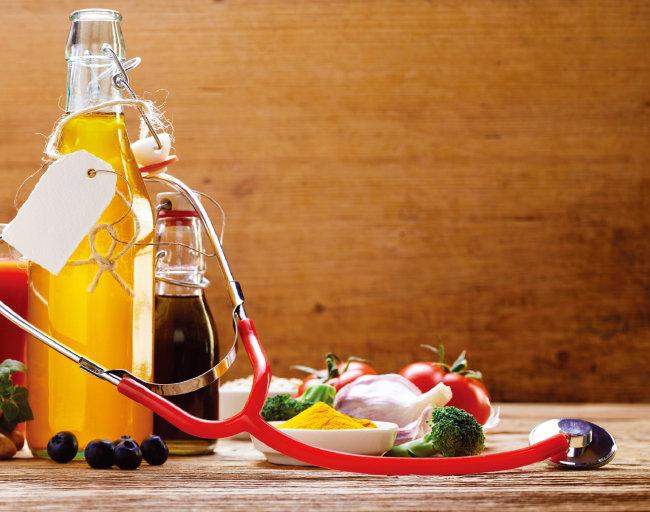 꾸준한 발효식초 섭취가 각종 성인병 예방을 돕는다는 연구 결과가 상당수 나와 있다. [shutterstock]