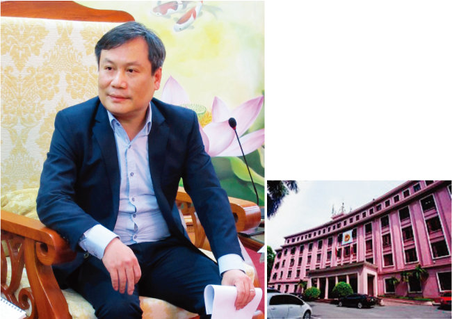 베트남 수도 하노이에 위치한  기획투자부 청사. (오른쪽)