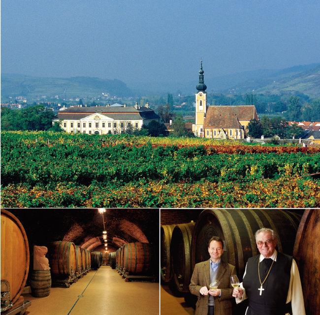 캄프탈 지역 랑겐로이스 마을에 위치한 슐로스 고벨스버그와 성당.(위) 1000년 역사를 자랑하는 슐로스 고벨스버그의 와인 저장고.(왼쪽) 미하엘 모오스부르거(왼쪽)와 볼프강 츠베틀 수도원장. [사진 제공 · 나루글로벌]