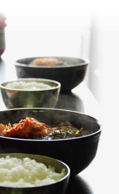 정갈한 묵밥.