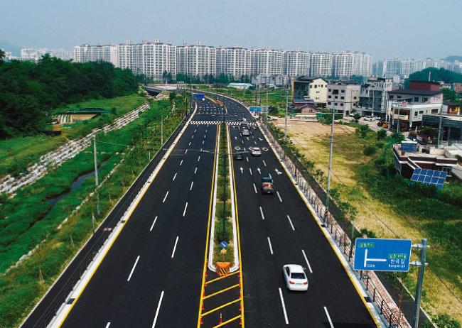 참여정부 당시 시작된 전국 10개 혁신도시 개발이 최근 1~2년 사이 순차적으로 마무리됐다. 사진은 강원 원주혁신도시. [사진 제공 · 원주시청]