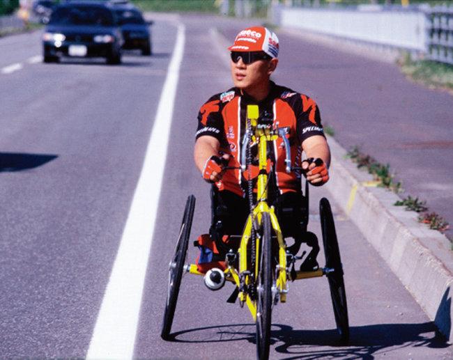대학 시절 휠체어 사이클을 하는 모습. [사진 제공 · 박대운]