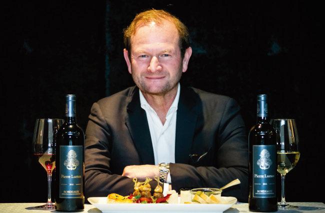 프랑스 와인 명가 '뤼통'의 운영자 피에르 뤼통. [사진 제공 · ㈜아영FBC]