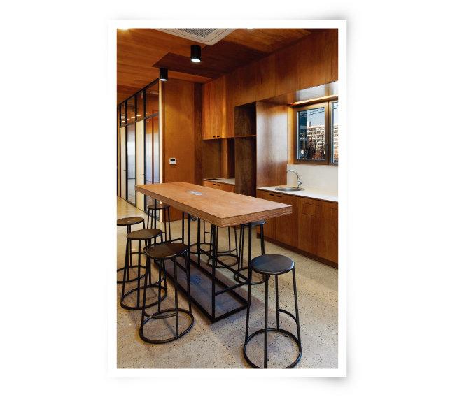 3층에 있는 키친. 입주업체 직원끼리 간식타임이나 티타임을 가질 수 있는 공간이다.