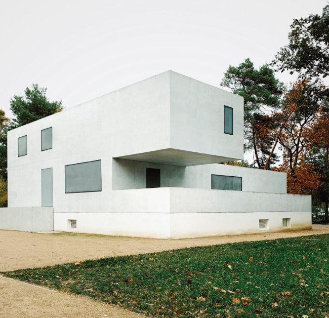 데사우 바우하우스의 교수주택 중 학장주택. [©GNTB 독일관광청]