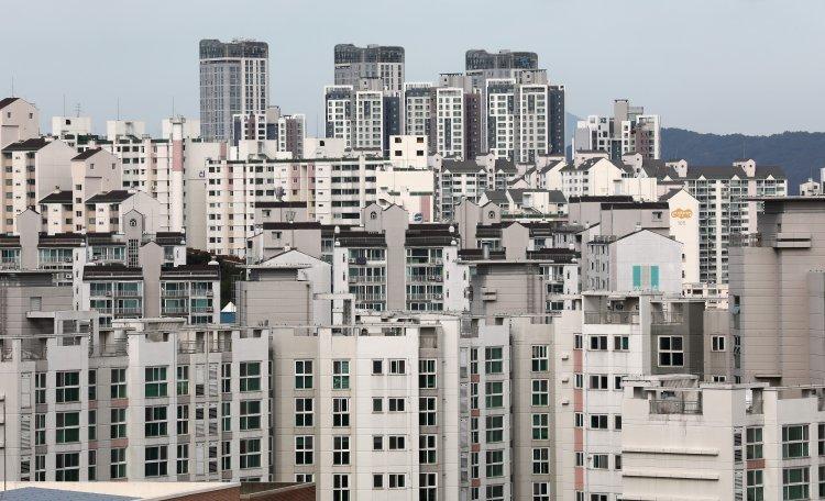 """韓가구 45% """"내 집 마련 못해""""…상위 10%는 주택자산 8억"""