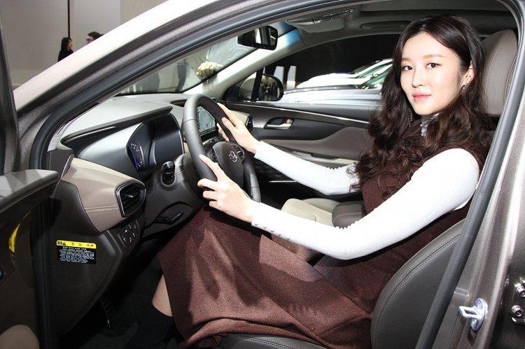 [신차 pic]현대차 신형 싼타페 실내… '인간을 연구하다'