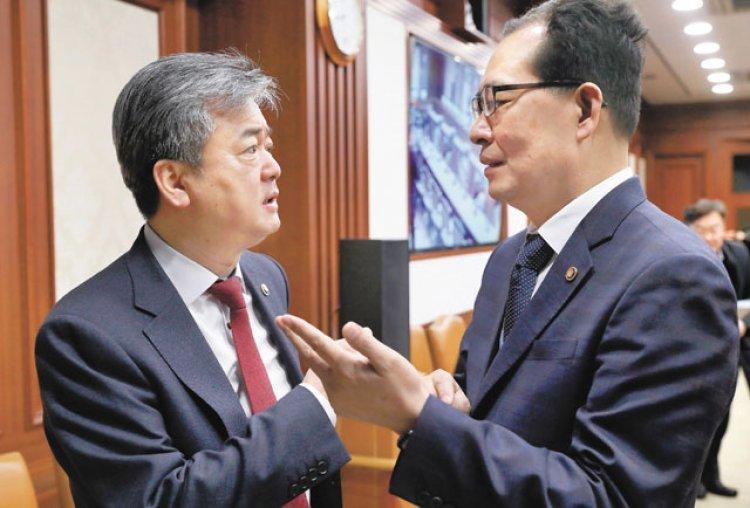 """김동연 부총리 """"GM 실사 빠르게"""" 이르면 내주 착수"""