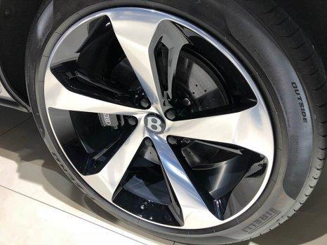 [베이징모터쇼]벤틀리 '벤테이가 V8' 아시아 최초 공개