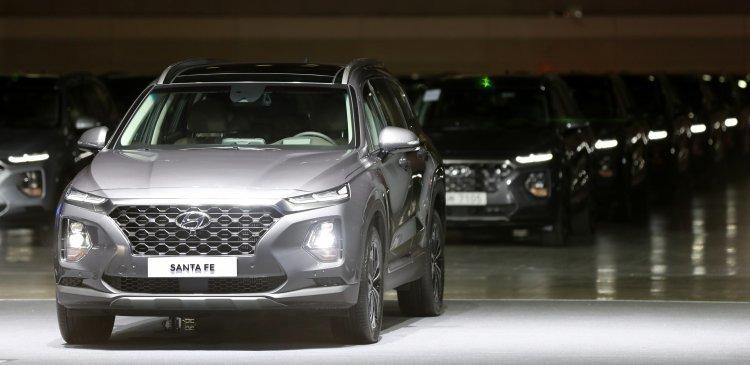 잘 나가는 싼타페·카니발…SUV 인기 '씽씽'
