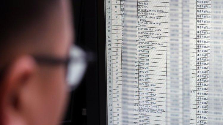 안전진단 마친 BMW GT 차량 연기…점검 직원 또 실수?