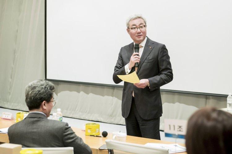 """""""車배터리 1%였던 회사가…"""" 불가능을 없앤 김준 SK이노 사장"""