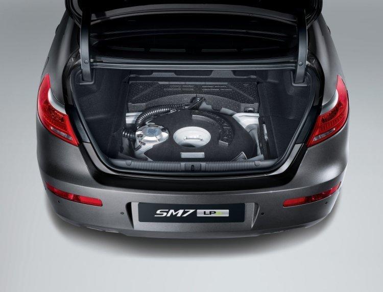 르노삼성 SM6·SM7 LPG 일반판매 시작…'도넛 탱크' 적용