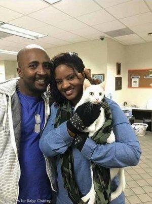 시각장애·암 투병 4살 꼬마, 잃어버린 고양이와 감동 재회