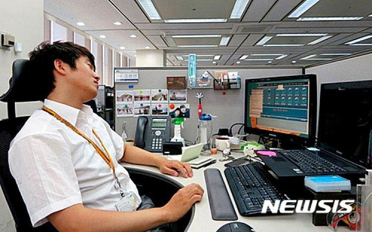 """성인남녀 70% '수면부족'…""""걱정·취업·돈 때문에"""""""