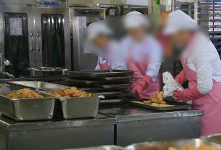 고교 급식 반찬에 '고래회충'…학생·학부모 경악