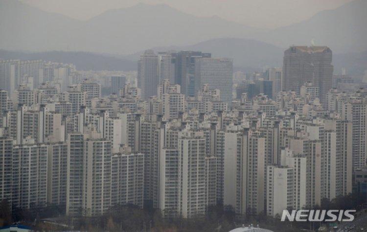 집값 상승 종료?…2월 매매가 65개월 만에 하락 전환