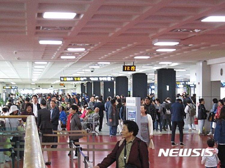5월 황금연휴에 48만명 제주관광…국내 항공편 거의 매진