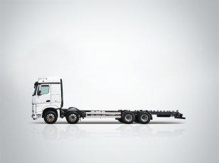 다임러트럭, 뉴 아록스 8X4 에어서스펜션 카고 출시