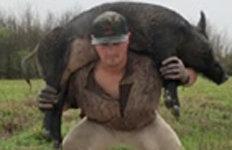 멧돼지 업고 스쿼트…코로나 극복 이색 훈련