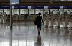 코로나 폭탄 맞은 항공업계 '셧다운'