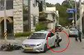 1t 택시 들어올린 시민들오토바이 운전자 구했다