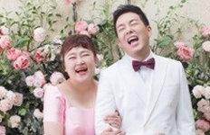 """홍윤화♥김민기, 웨딩화보 공개""""30kg 감량 성공, 쇄골이 보인다"""""""
