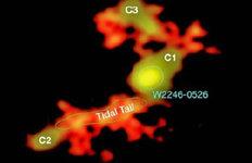 가장 밝은 은하 속 블랙홀주위 은하 잡아당기는 현상 '포착'