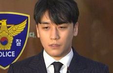 """경찰, 가수 승리 5번째 소환 조사""""린사모, 삼합회와 관련없다"""""""