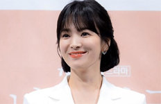 """송혜교 '운명' 발언 진실은?통역사 """"부풀려진 부분 있다"""""""