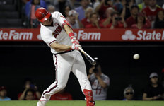 'MLB 현역 최고 타자' 트라우트,시즌 42호 홈런…최다 기록