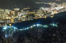 홍콩 시위대 60㎞ 인간띠잇기 시위 펼쳐…'장관'