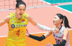 日 2진급에 안방서 진 충격 딛고女배구, 중국 꺾고 亞선수권 銅