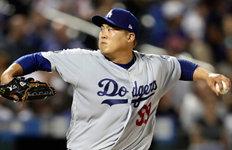 """LA매체 """"류현진은 기교파…다저스, 강속구 투수 필요"""""""