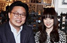 서경덕·송혜교, LA 안창호 패밀리하우스에 한·영 안내서 기증