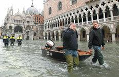 53년만에 최악 물난리…수위 더 높아진 베네치아