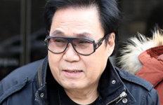 '대작 논란' 조영남4년 만에 단독 디너쇼