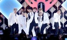 방탄소년단, 美최대연말 축제 '징글볼' 달궜다