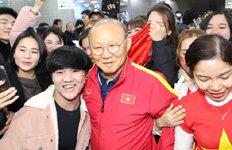 """'베트남 영웅' 박항서 """"인기는 연기처럼 사라지는 것"""""""