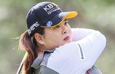 '얄궂은 18번홀' 트로피 잡았다 놓친 박인비