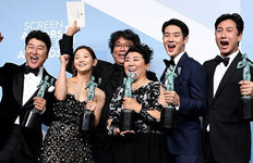 '기생충' 오스카 향해 성큼…美영화배우조합 최고상 수상