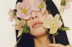 '봄의 여신' 한예슬, 비키니웨어매치한 파격 스타일링