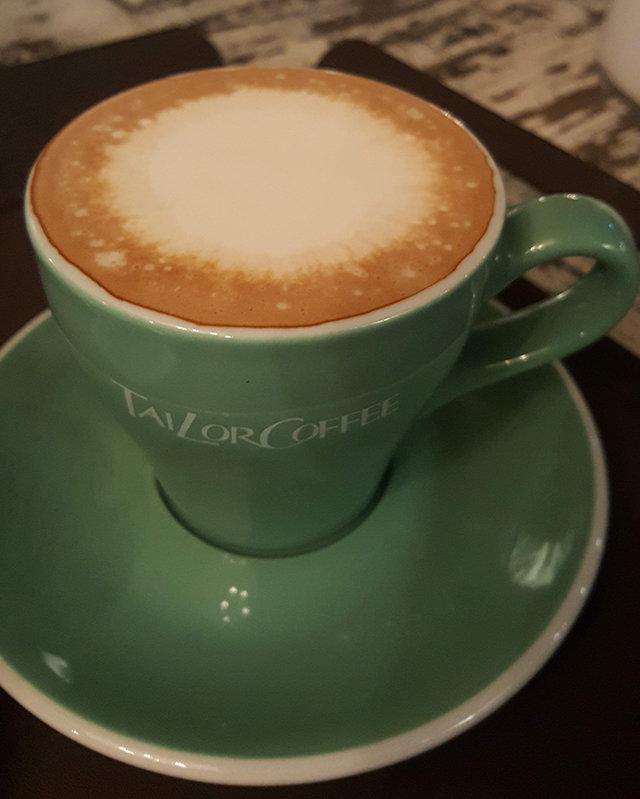 [홍지윤 요리쌤의 오늘 뭐 먹지?]쌉쌀한 커피 위에 달콤한 크림 둥실… 춘곤증이 싹~